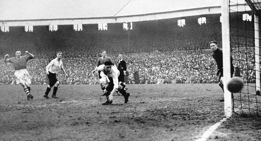 Billy Liddell just misses the target in the 1947 FA Cup semi-final