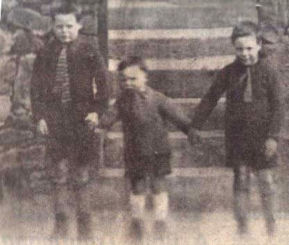 From left to right: Billy, Campbell and Tom