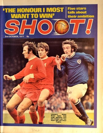 Tommy Smith and Emlyn Hughes on the cover of Shoot! on 2 October 1971