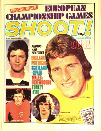 Ray Clemence on the cover of Shoot!