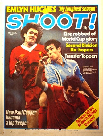 Alan Kennedy with Phil Thompson on the cover of Shoot 9 May 1981