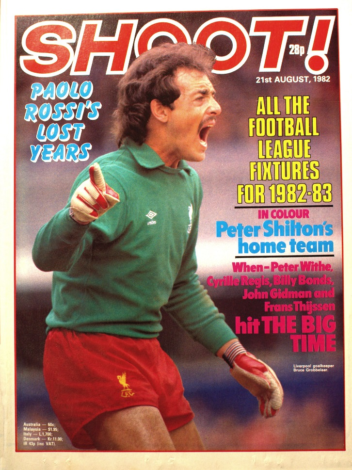 Bruce Grobbelaar on the cover of Shoot! 21 August 1982