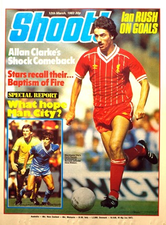 Ian Rush on the cover of Shoot!